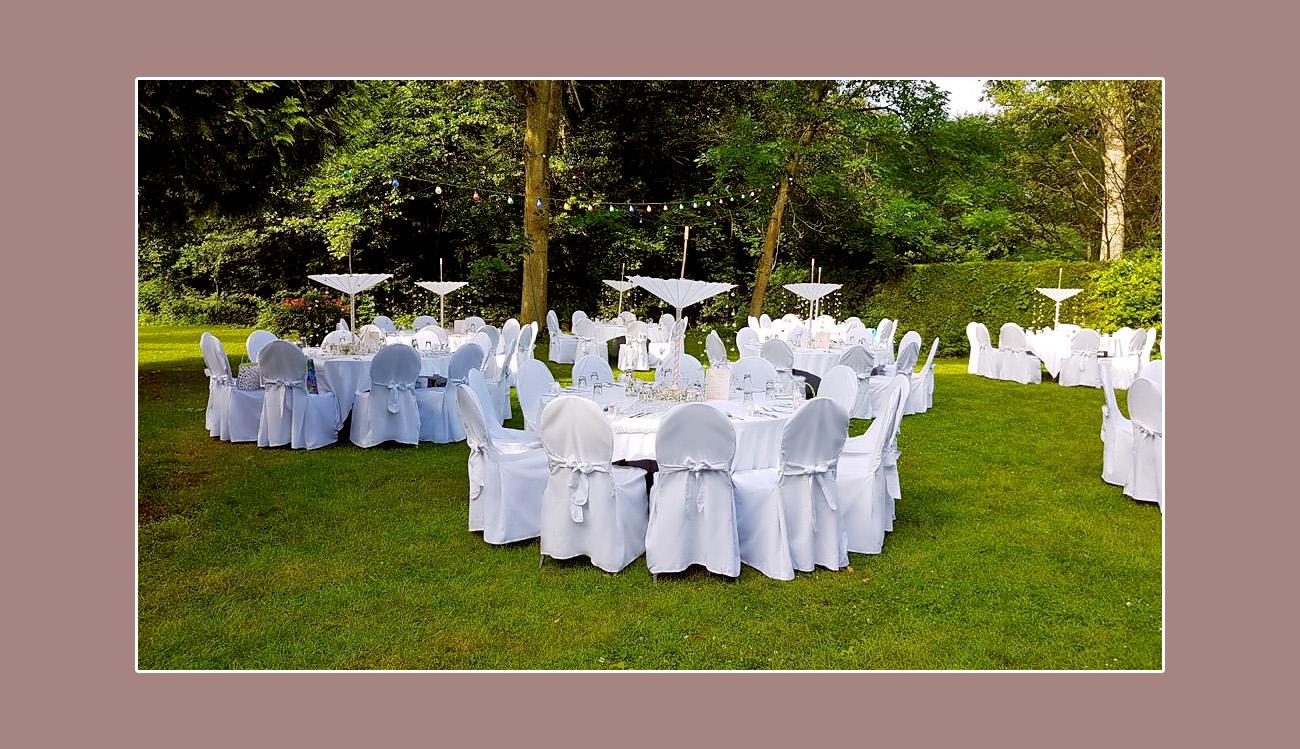 Gartenhochzeit-feiern-Dekoration